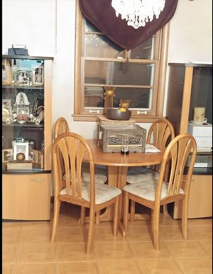 Dining room table for Sale in Northbrook, IL