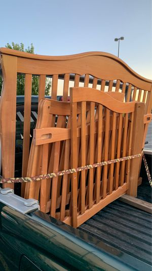 Baby crib free for Sale in Vancouver, WA