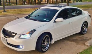 white 08 Nissan Altima low miles for Sale in Cleveland, OH