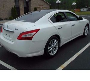 2010 Nissan Maxima --Fully maintained-- New Tires! for Sale in Richmond, VA