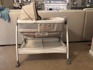 Graco Bassinet/changing table for Sale in Acworth, GA