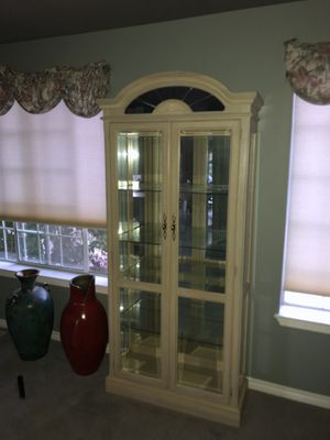 Curio cabinet for Sale in Kent, WA