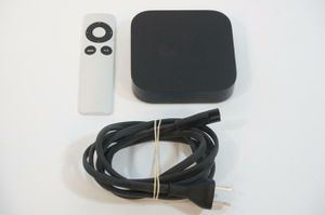 Apple TV (2nd Generation) Smart Media Streaming Player Model A1378 with Remote for Sale in San Diego, CA