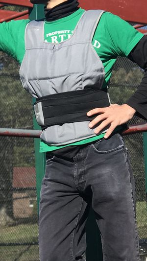 Weighted Vest 40lb great condition iphone holder for Sale in Queens, NY