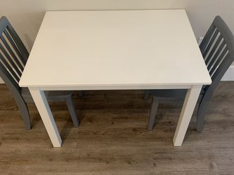 Kids Pottery Barn Table And Chairs for Sale in Rancho Palos Verdes,  CA