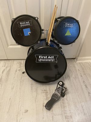 Drum for kids come with seat serious contact only pick up at timber dr Garner for Sale in Garner, NC