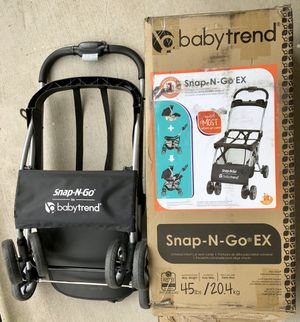 Baby Trend Snap-N-Go Universal Single car seat carrier/ stroller for Sale in Irving, TX