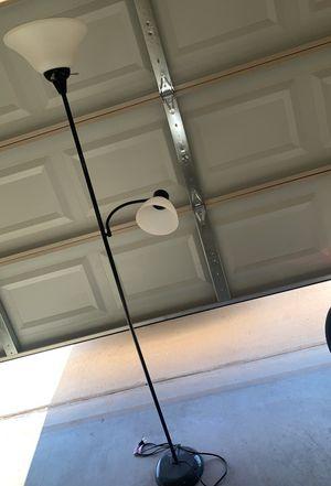 Floor lamp $5 FIRM for Sale in El Paso, TX
