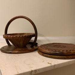 Basket Style Collapsible Wooden Bowls for Sale in East Garden City,  NY