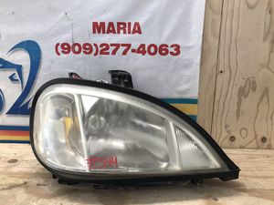 1998-2001 Mercedes Benz ML 320-430 Headlight RH for Sale in Jurupa Valley, CA