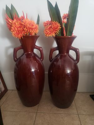 Ceramic glossy brown indoor or outdoor pot for Sale in Miami, FL