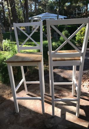 White kitchen bar stool chairs for Sale in Las Vegas, NV