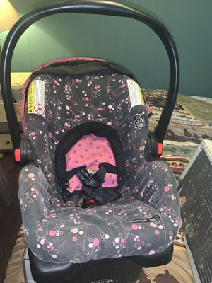Car seat for o-2 years old only 30 bucks for Sale in BENTON, AR
