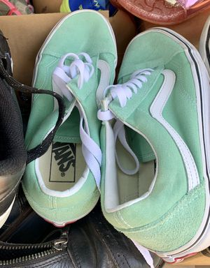 Vans tennis shoes 7.5 like new for Sale in Marietta, GA
