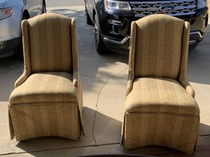 Dining Room Table & Chairs for Sale in Rancho Cucamonga, CA