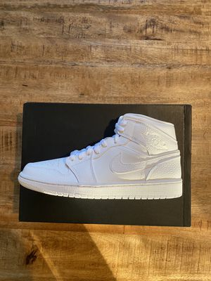 Jordan 1 Mid white size 10 for Sale in Clackamas, OR