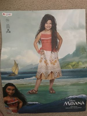 Size 7-8 girls Moana Halloween costume WITH HEART OF TI FITI light up necklace! for Sale in Langhorne, PA