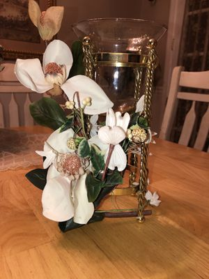 Beautiful candle floral votive holder by home interiors for Sale in Woodbridge Township, NJ
