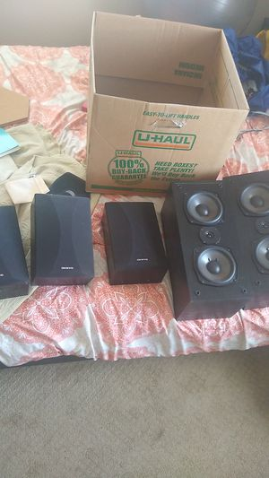 Onkyo Surround Sound Speakers - 5 piece for Sale in San Diego, CA