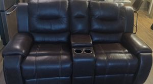 Excellent condition leather couch for Sale in Thompson's Station, TN