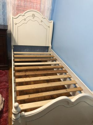Twin bed one piece it's broke with dresser/mirror for Sale in St. Louis, MO