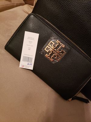 Terry burch wallet for Sale in Orlando, FL