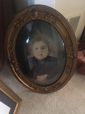 Large antique oval frame with convex glass for Sale in Manassas, VA