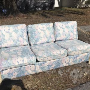 Free Freee for Sale in Winter Haven, FL