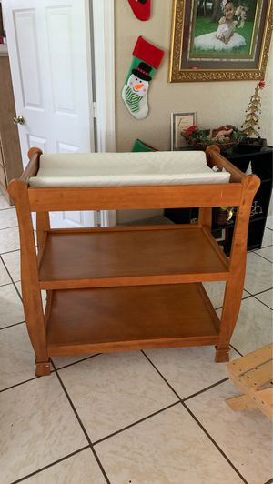 Changing table for babies for Sale in Okeechobee, FL