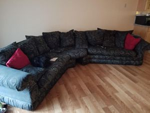 Couch sectional for Sale in San Jose, CA