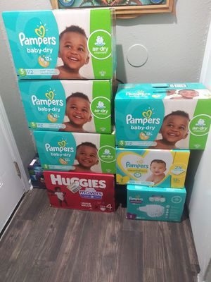 Pampers diapers for Sale in Arlington, TX