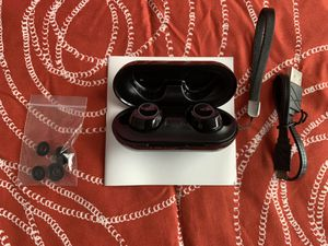 Wireless Bluetooth Earbuds NEW for Sale in Chelmsford, MA