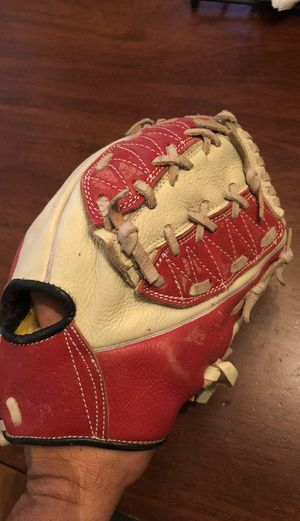 Professional baseball glove from Mexico for Sale in Los Angeles, CA