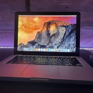 MacBook Pro/Yosemite/8gb Ram/250HD/i5 for Sale in La Puente, CA