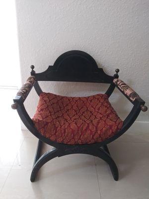Antique chair for Sale in Miramar, FL