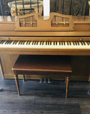 Beautiful Piano- FREE DELIVERY! for Sale in Hawthorne, CA