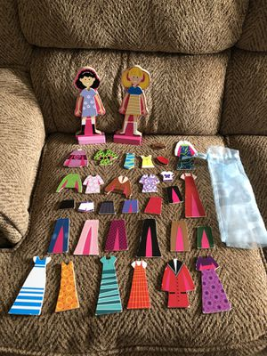 Melissa and Doug wooden magnetic Abby and Emma figures playset with carrying bag for Sale in St. Peters, MO