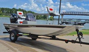 Bass Tracker 2011 Pro Boat for Sale in Detroit, MI