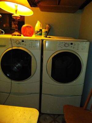 KENMORE WHITE FRONT LOADING WASHER/ DRYER for Sale in Pittsburgh, PA
