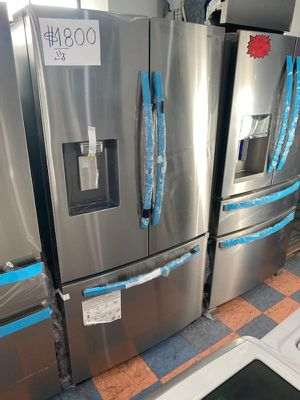 REFRIGERATOR SAMSUNG FRENCH STYLE STAINLESS STEEL NEW CONDITION !!!! for Sale in Oceanside, CA