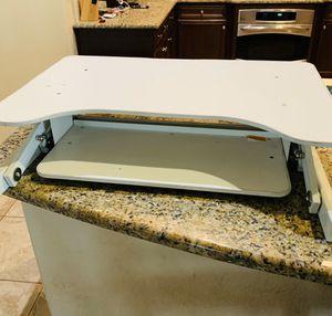 Standing Desk (Adjustable) for Sale in Fresno, CA