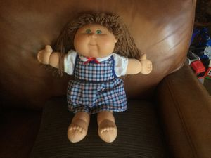 Little girl cabbage patch doll good condition for Sale in Rialto, CA
