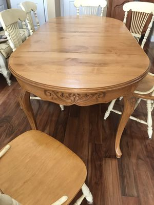 Country French expandable table & Chairs for Sale in Los Gatos, CA