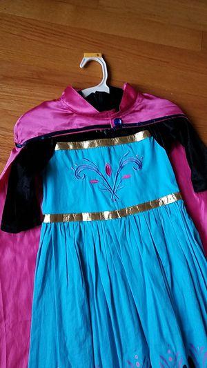DISNEY'S FROZEN ELSA CORONATION DRESS size 4/5 & CROWN for Sale in Chicago, IL