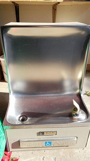 Elkay drinking water fountain for Sale in Roseville, MI