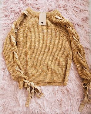 Knitted sweater for Sale in Santa Maria, CA