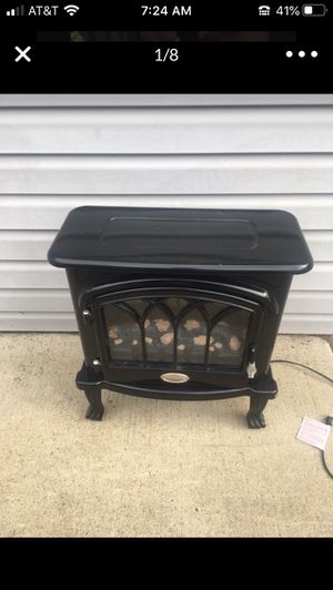 Fireplace (heater) for Sale in Wheeling, IL