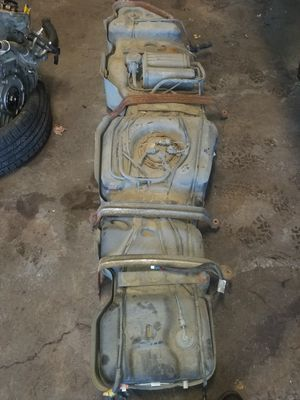 GMC Acadia gas tank with pump filter and evac for Sale in Bexley, OH