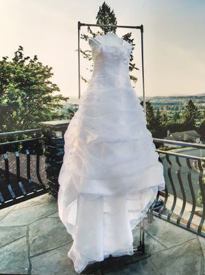 David's bridal wedding dress size 4 for Sale in Vancouver, WA