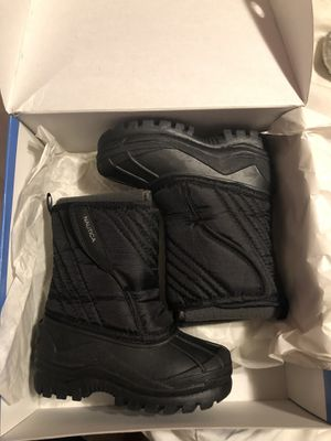 Kids Nautica Snow Boots - brand new in box for Sale in Piscataway Township, NJ